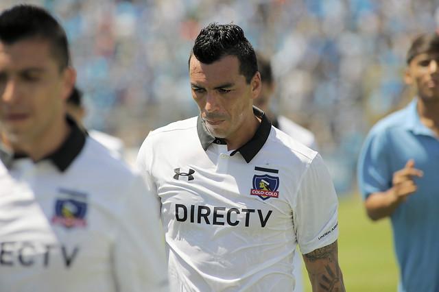 El video que muestra que Esteban Paredes debió ser expulsado en el primer tiempo
