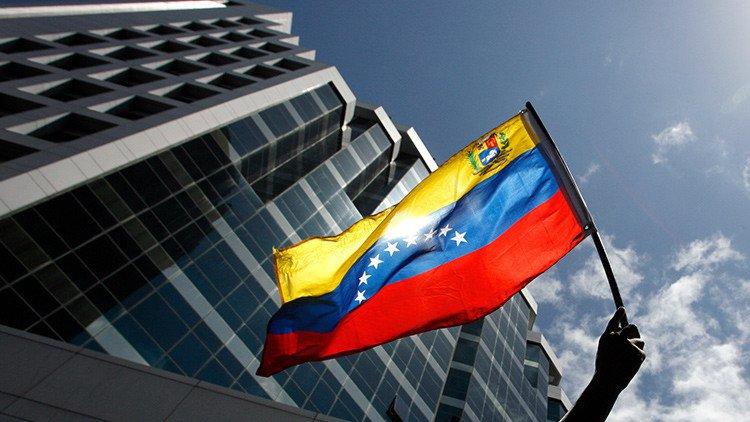 Tribunal Supremo de Venezuela revierte su fallo y devuelve al Parlamento sus poderes