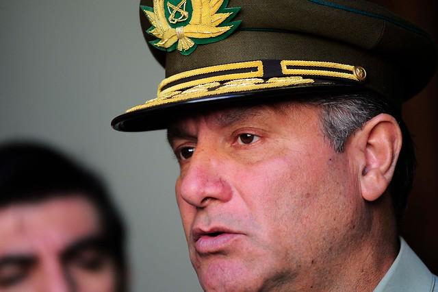 """General Villalobos interpuso querella por fraude en Carabineros contra """"todos quienes resulten responsables"""""""