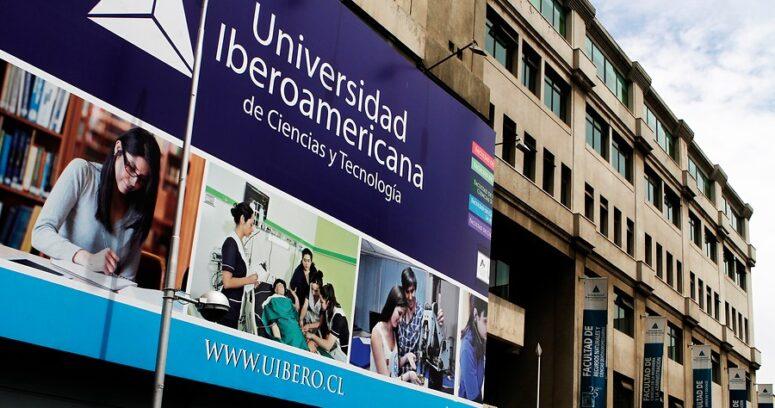 """""""Alumnos U. Iberoamericana exigen ser reubicados en ues. estatales ante inminente cierre"""""""