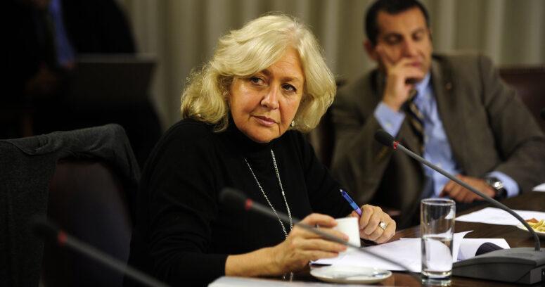"""""""La categórica respuesta de Mónica González al ser consultada por la muerte de Agustín Edwards"""""""