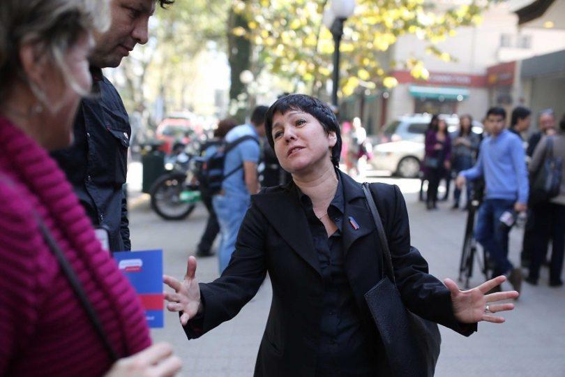 #AguanteJaviera: 70 mujeres entregan su apoyo a Parada tras bajada de candidatura por RD