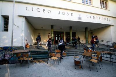 Providencia investiga denuncia de abuso sexual contra inspector en Liceo Lastarria
