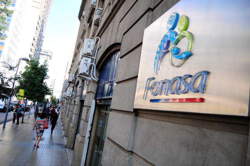 Cómo obtener la devolución de excesos de Fonasa: hay más de $1.400 millones sin cobrar