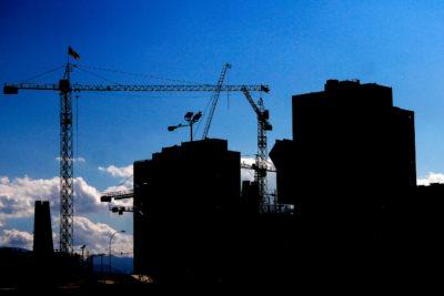 "Vecinos interponen recursos para paralizar construcción de ""guetos verticales"" en Estación Central"