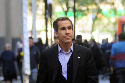 """Deuda educativa: ex concejal acusa """"vuelta de carnero"""" de Alessandri en propuesta de hipotecar edificios"""
