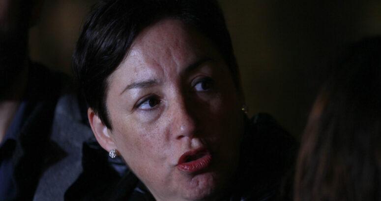 """""""Beatriz Sánchez: """"No es natural que estemos haciendo bingos para que una persona sobreviva"""