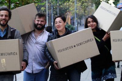 Frente Amplio llega al Servel a entregar 42 mil firmas para realizar primarias e inscribir a Sánchez y Mayol