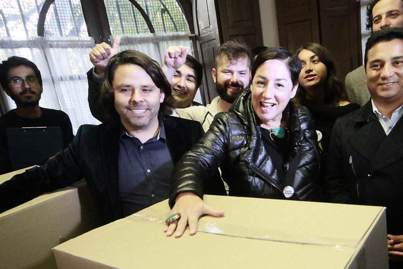 Alberto Mayol invitó a Beatriz Sánchez al lanzamiento de su libro sobre el Frente Amplio, pero todo salió mal