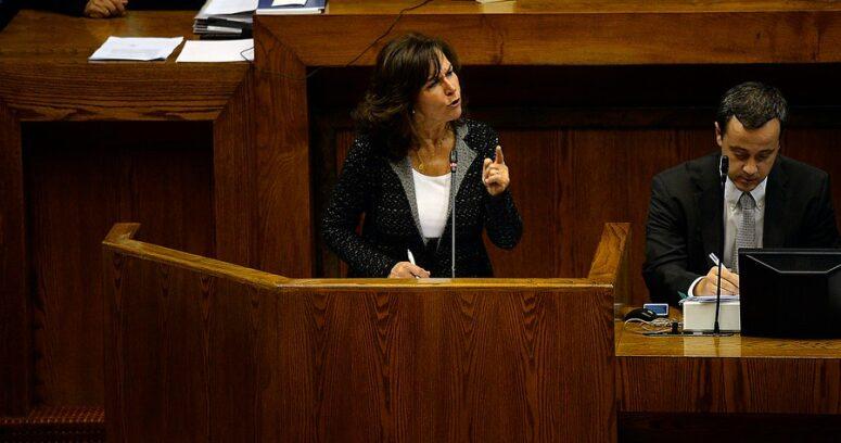 """""""Ministra del Trabajo e interpelación de la UDI:"""