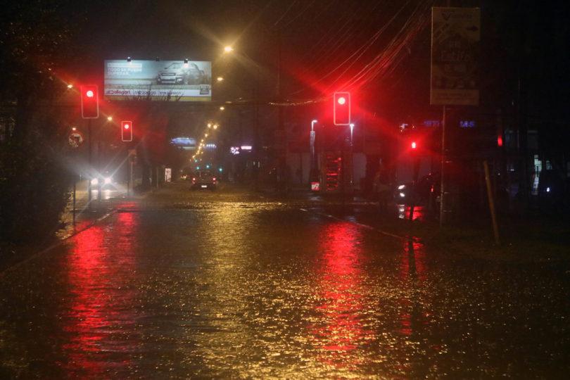 Sistema frontal en zona centro norte: 209 damnificados, más de 18 mil clientes sin electricidad y 980 sin agua