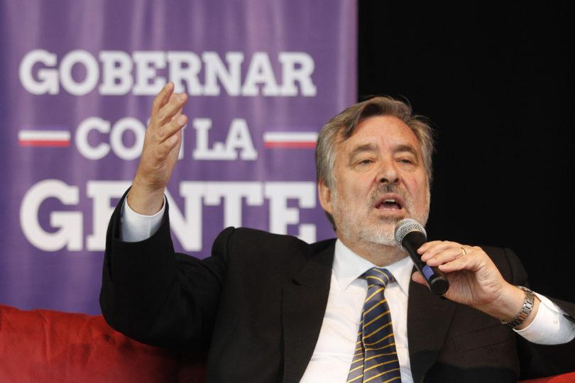 """Guillier dispara contra Chile Vamos: """"Si es por daño moral, no deberían tener candidato"""""""