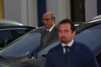 Ex comandante en jefe Juan Emilio Cheyre llega a la PDI a careo con presunta víctima de torturas
