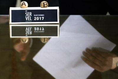 Servel realizó sorteo para establecer orden de las papeletas en las primarias presidenciales