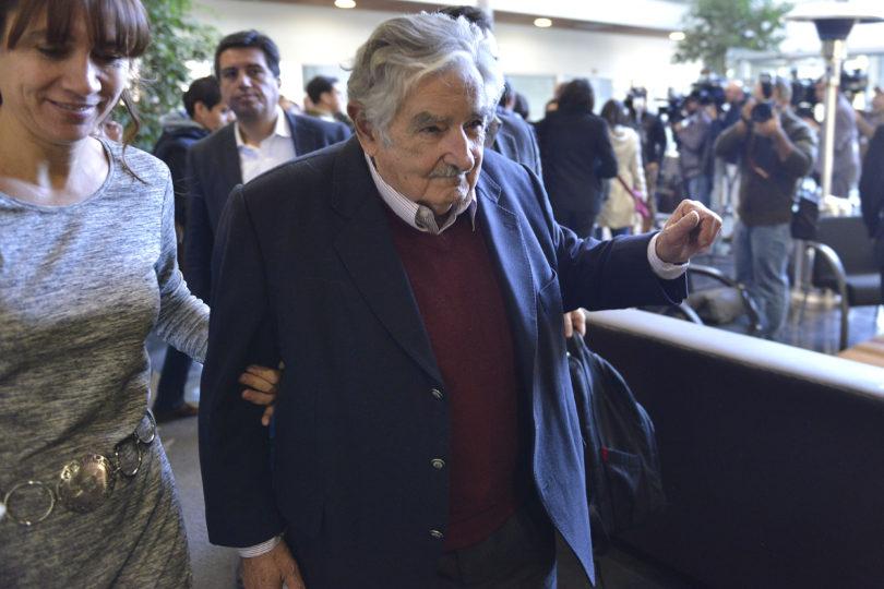 """""""No hay que elegir a los que les guste demasiado la plata"""" y otras 10 frases de Pepe Mujica en Chile"""