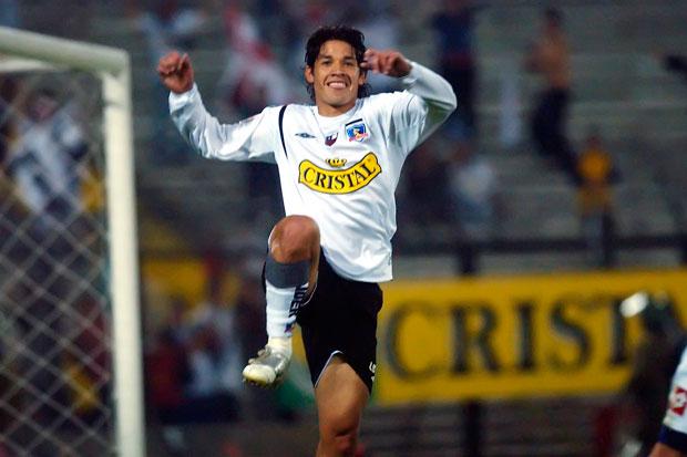 Temporada de humo en Colo Colo: ahora aseguran el posible regreso de Matías Fernández