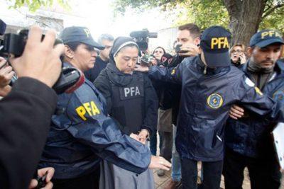 """Monja es acusada de """"facilitar"""" menores sordos para ser abusados por sacerdotes en Mendoza"""