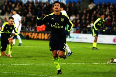 """Prensa inglesa vuelve a rendirse a los pies de Alexis Sánchez:  """"El talismán de Arsenal recuperó a su equipo"""""""
