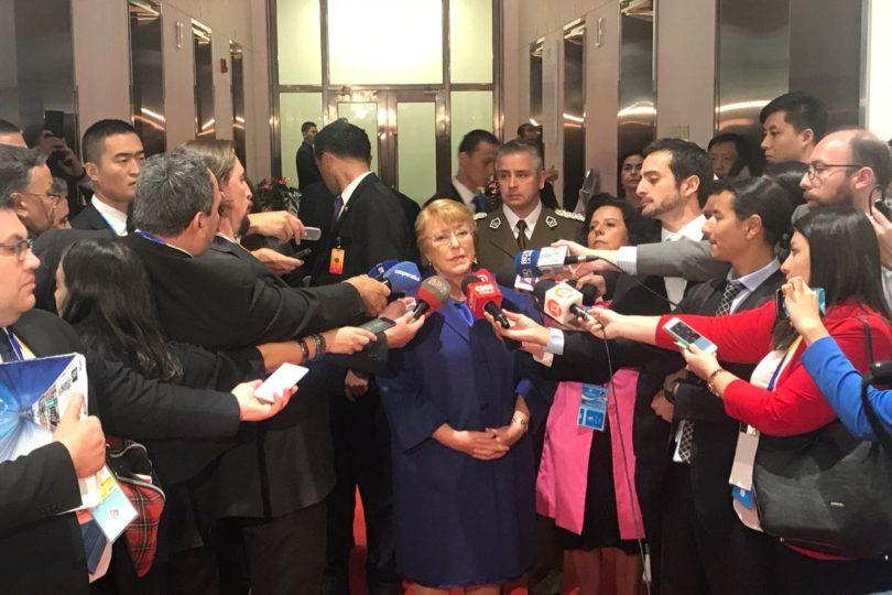 """Michelle Bachelet: """"Nuestro país está siendo afectado por el cambio climático"""""""