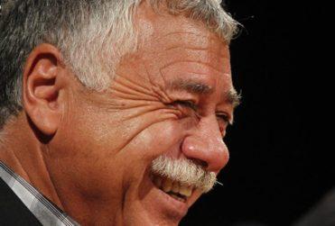 Carlos Caszely tenía razón: Mark González se fue sin pena ni gloria de Colo Colo