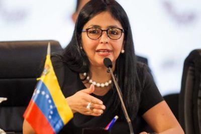 "Canciller de Maduro acusa a Chile de ""alentar al golpismo"" en Venezuela"