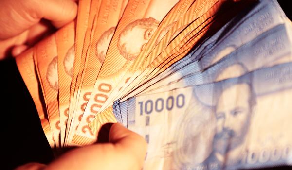 Isapres deberán devolver más de 11 mil millones en excesos: revisa si te corresponde