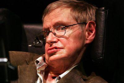 """Por qué debemos abandonar la Tierra """"si queremos sobrevivir"""", según Stephen Hawking"""