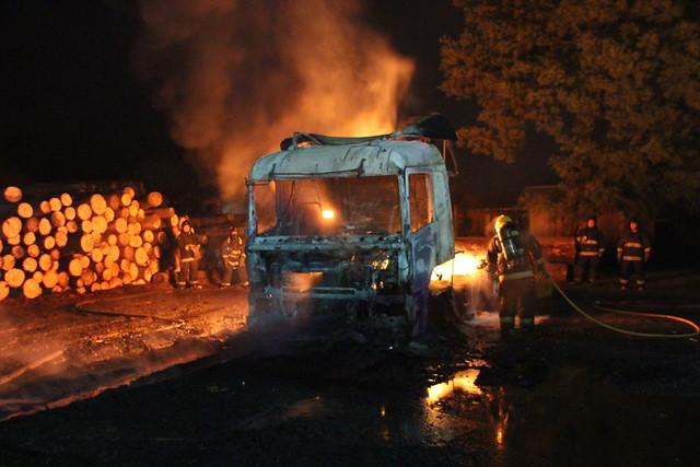 """Camioneros anuncian medidas ante """"violencia extremista"""" en La Araucanía"""
