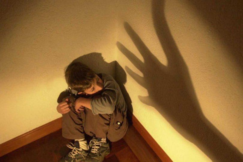 Maltrato Infantil: solicitan al Minsal protocolo de atención para casos de menores agredidos