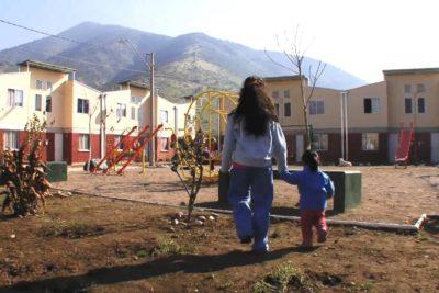 Derogan decreto que negaba subsidios de vivienda a familias de campamentos