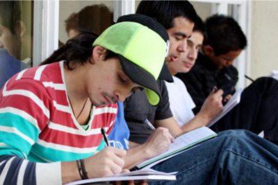 Casi 500 mil estudiantes postularon a la gratuidad, becas y créditos estatales