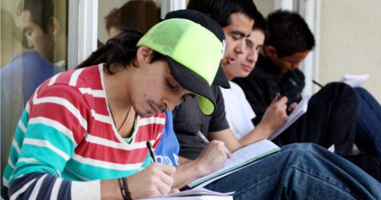 """""""Un 66% de los hogares chilenos está endeudado y el principal motivo es la educación"""""""