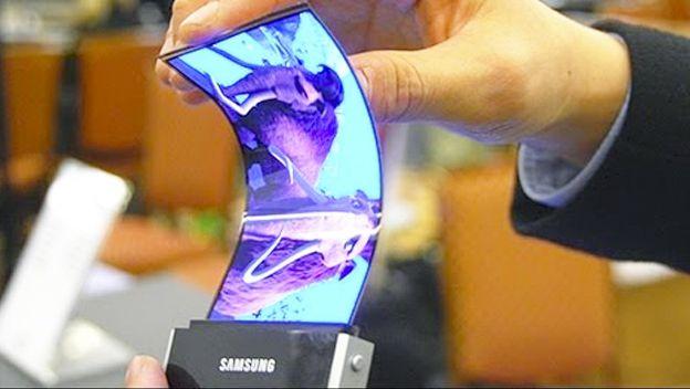 """""""Samsung OLED: primer celular que se podrá enrollar, doblar y estirar ya es una realidad"""""""