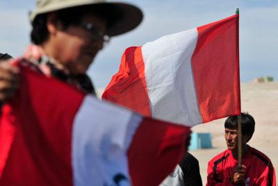 Rechazo a inmigrantes peruanos es más grande en población con menos escolaridad