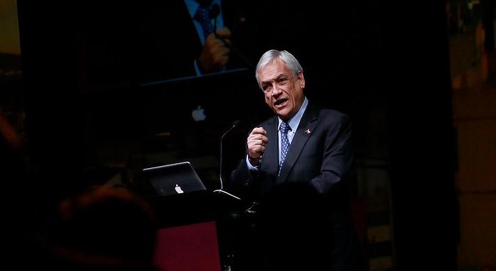 """Piñera responde a Bachelet por """"el lado oscuro de la fuerza"""""""