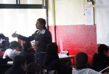 Carrera Docente: sueldos de profesores municipales podrán hasta duplicarse a fin de mes