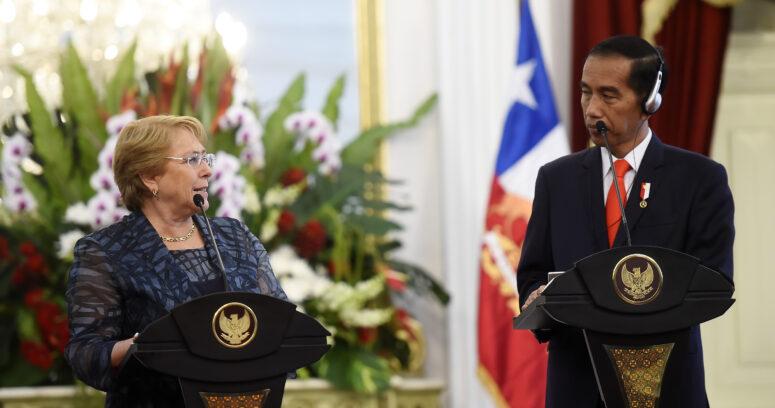 """""""Bachelet opta por no referirse al escándalo """"Inversiones PS"""""""""""