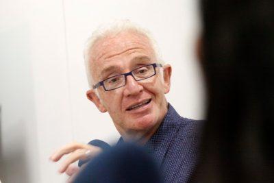 Trombosis deja a Pedro Carcuro sin poder relatar en TVN el duelo Chile-Alemania