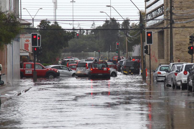 """Meteorología declara alerta roja para Antofagasta por """"fuertes e intensas"""" lluvias"""