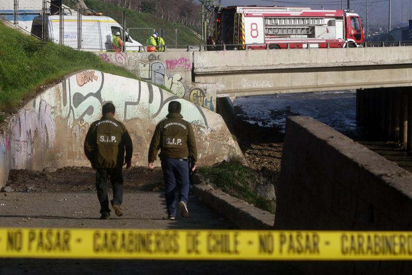Encuentran cuerpo de un hombre en la ribera del río Mapocho