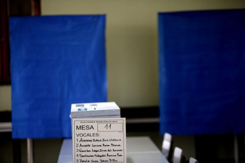 Servel publica nómina oficial de vocales de mesa para las primarias: revisa si saliste escogido