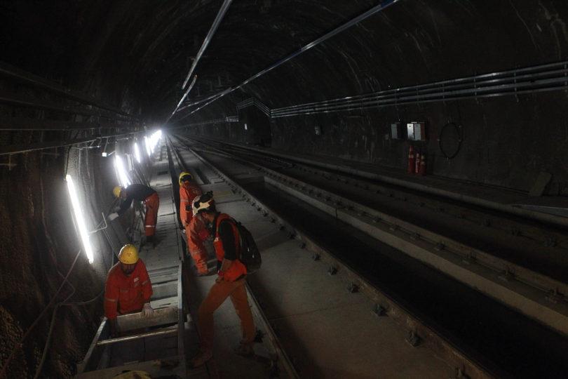 Encuentran a dos personas muertas en túnel de la nueva Línea 6 de Metro