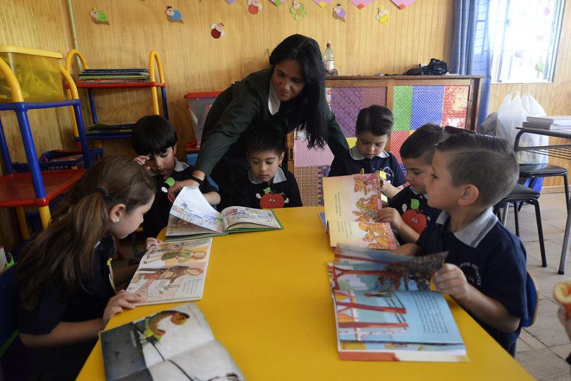 Currículum de educación parvularia: ¿enseñar a hacer el sonido de las letras o formar lectores plenos?