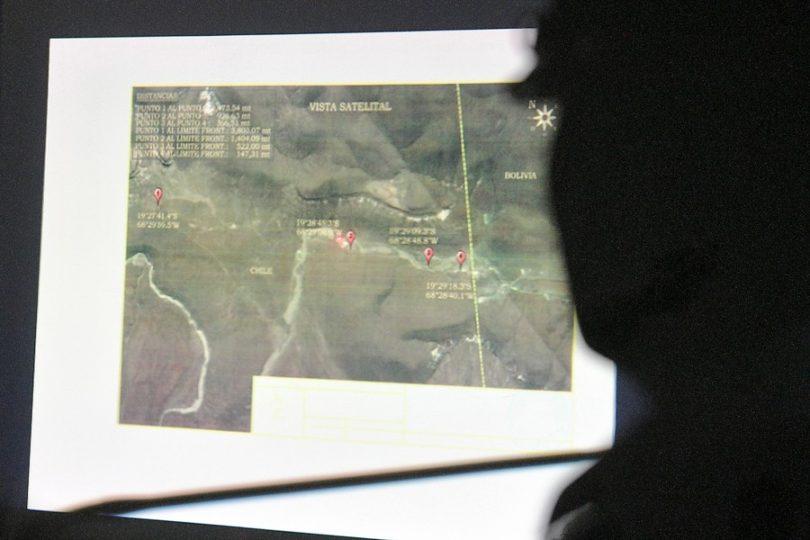 Bolivia abrirá zanjas en pasos fronterizos con Chile tras detención de funcionarios por contrabando