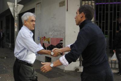 """Piñera felicita a Alessandri por política del """"rompe, paga"""" en liceos de Santiago"""