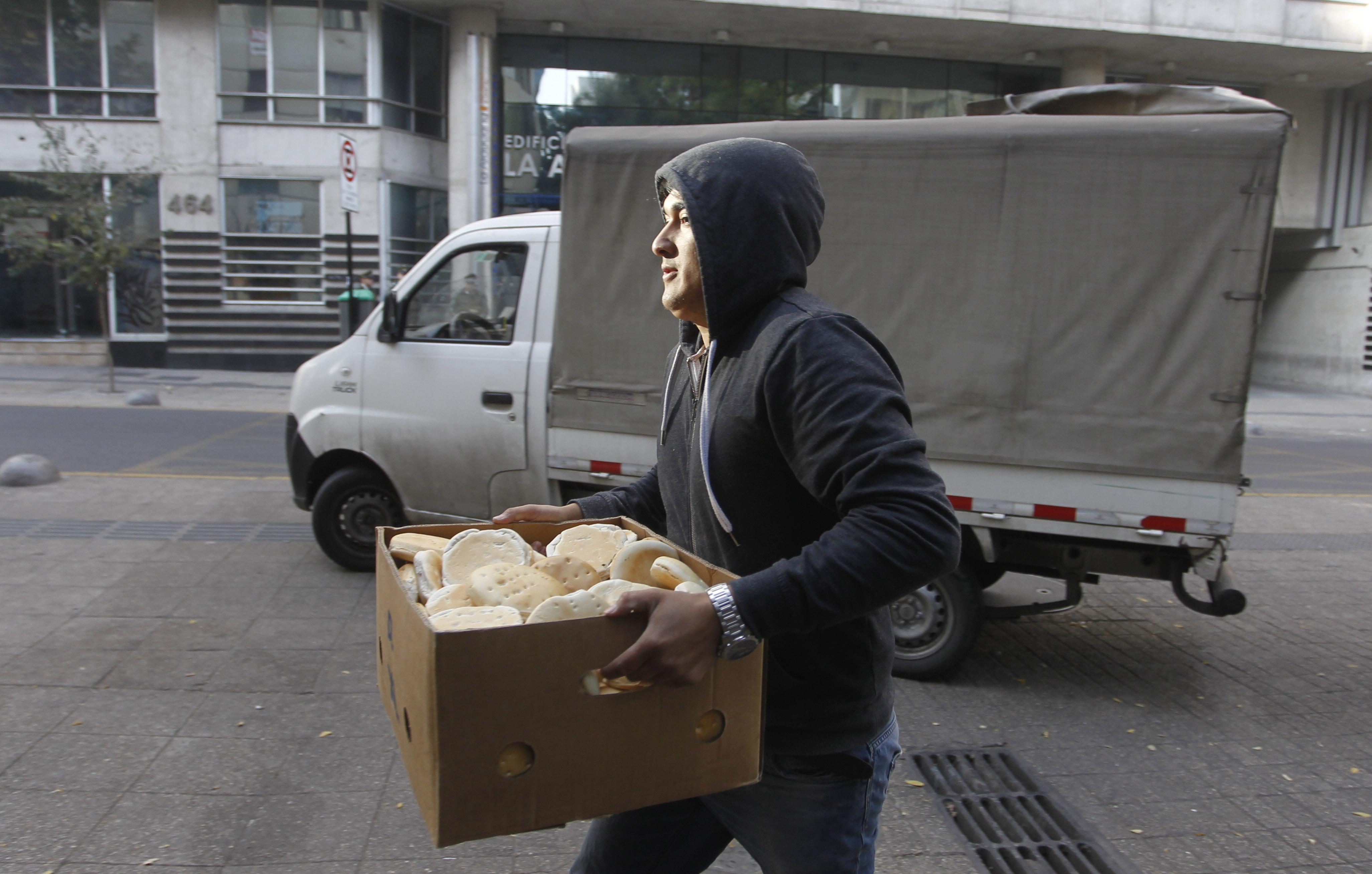 """""""Chile es el país donde más se trabaja y menos se gana de la OCDE"""""""