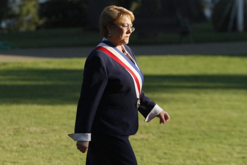 Foto oficial en Cerro Castillo: cómo ha cambiado el gabinete en los cuatro años de Bachelet
