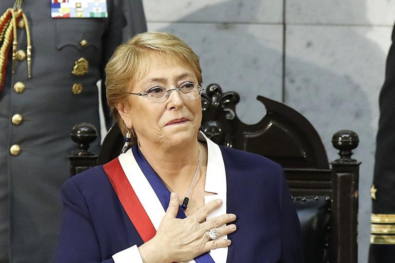 """Bachelet pide """"unidad"""" y consolidar reformas al cierre de su discurso"""