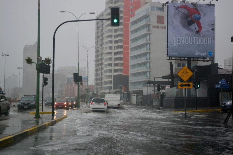 Sistema frontal en Antofagasta: en 15 horas llovió lo esperado en 12 años