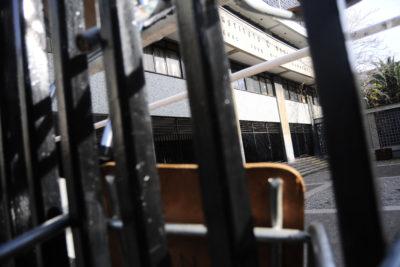 """Carabineros desalojó esta mañana la """"toma fantasma"""" del Instituto Nacional"""